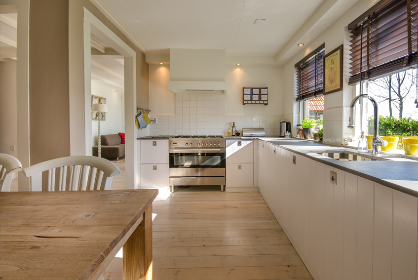 >Hand Painted Kitchens and Furnitures